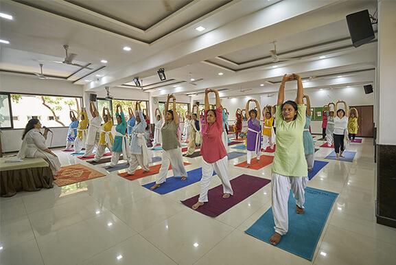 the yoga institute raipur ttc course